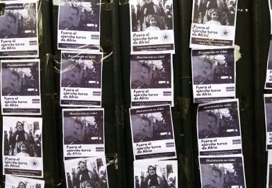 En santiago se realiza mitin afuera de la embajada de Turquía por el día de acción global contra la invasión turca del Kurdistán.
