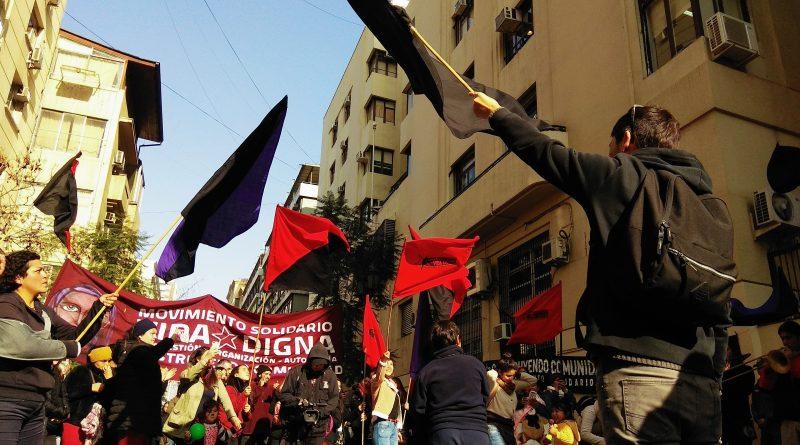 [Santiago] Concentración afuera del Ministerio de vivienda y urbanismo.
