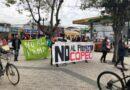 Vecinos y vecinas de Coronel se manifiestan en el frontis del municipio en contra de la devastación ambiental