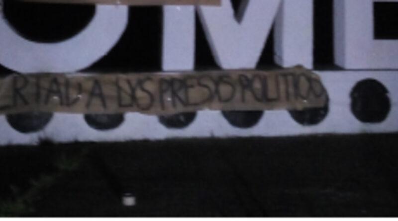 Cortes de ruta alusivos a la libertad de los presos y presas políticas se realizaron en la ruta Tome-Concepción.