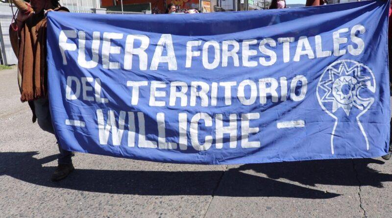 Marchan en Valdivia este 12 de octubre «Contra el colonialismo, la militarización y los proyectos extractivistas»